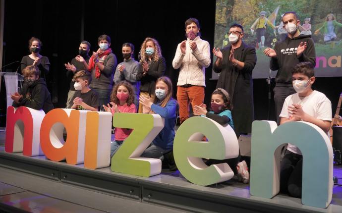 Naizen: La transexualidad infantil ya tiene su canción